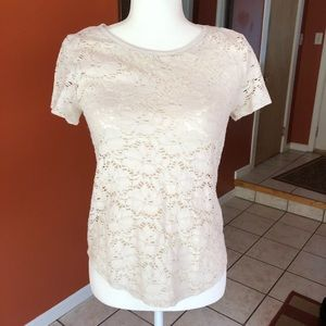 Lace patterned top
